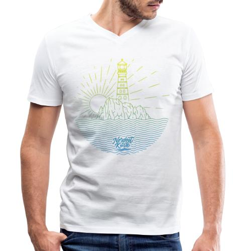 Leuchtturm mit Sonne am Meer - Männer Bio-T-Shirt mit V-Ausschnitt von Stanley & Stella