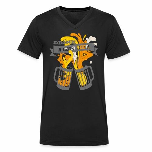 Drink a Cold Beer - Oktoberfest Volksfest Design - Männer Bio-T-Shirt mit V-Ausschnitt von Stanley & Stella