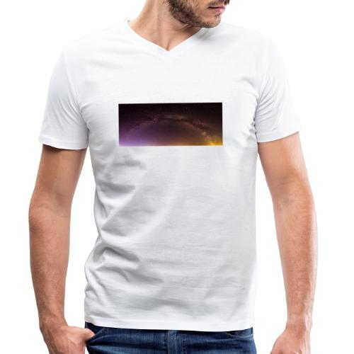 Milchstraße Panorama - Männer Bio-T-Shirt mit V-Ausschnitt von Stanley & Stella