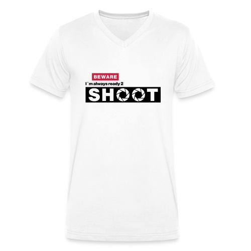 Beware i´m a photographer - Männer Bio-T-Shirt mit V-Ausschnitt von Stanley & Stella