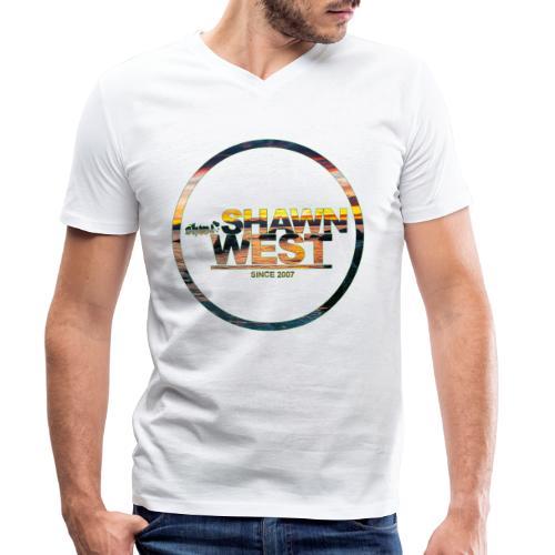 SHAWN WEST BEACH SUN DOWN - Männer Bio-T-Shirt mit V-Ausschnitt von Stanley & Stella