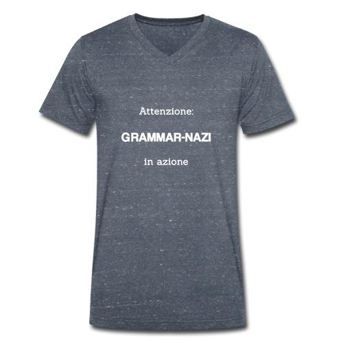 Attenzione: Grammar-nazi in azione - bianco - T-shirt ecologica da uomo con scollo a V di Stanley & Stella