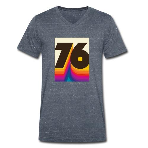1976 in 2066 Crist Drive - Männer Bio-T-Shirt mit V-Ausschnitt von Stanley & Stella
