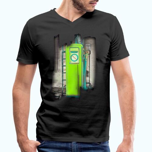 Vintage gas station - Men's Organic V-Neck T-Shirt by Stanley & Stella
