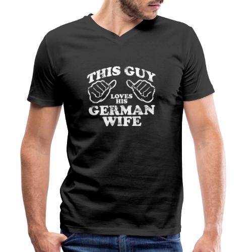 This Guy loves his german wife - Ekologiczna koszulka męska z dekoltem w serek Stanley & Stella
