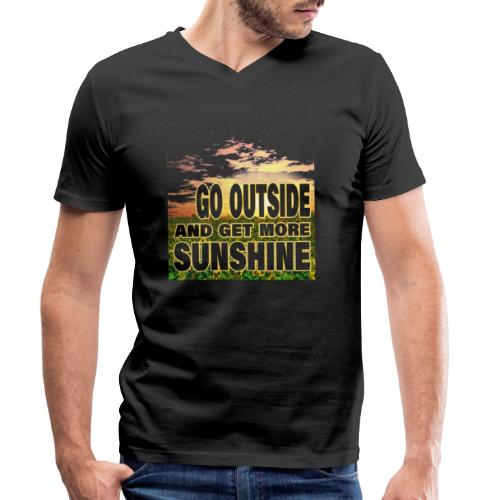 go outside and get more sunshine - Männer Bio-T-Shirt mit V-Ausschnitt von Stanley & Stella