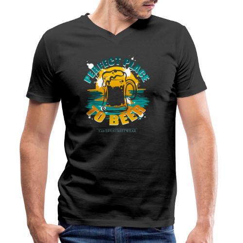 a perfect place to beer - Männer Bio-T-Shirt mit V-Ausschnitt von Stanley & Stella