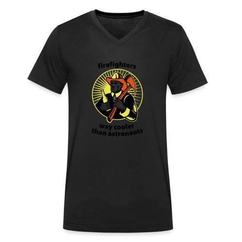 Firefighters - way cooler than astronauts - Männer Bio-T-Shirt mit V-Ausschnitt von Stanley & Stella