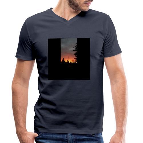 Morgenrotdrama Small Short - Männer Bio-T-Shirt mit V-Ausschnitt von Stanley & Stella