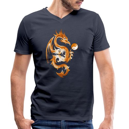 Der Drache spielt mit der Energie des Lebens. - Männer Bio-T-Shirt mit V-Ausschnitt von Stanley & Stella