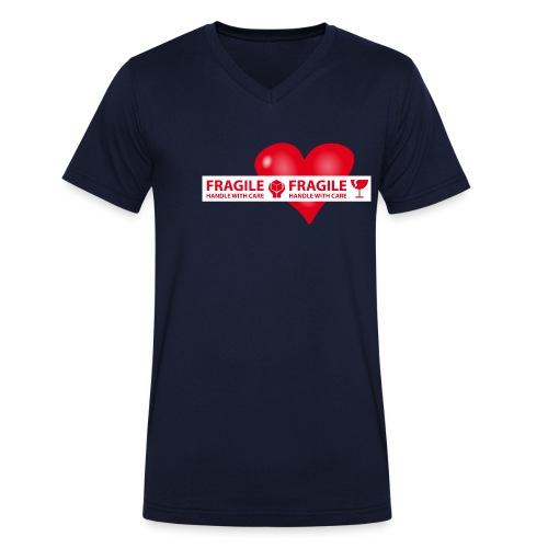 Var rädd om hjärtat - FRAGILE - HANDLE WITH CARE - Ekologisk T-shirt med V-ringning herr från Stanley & Stella
