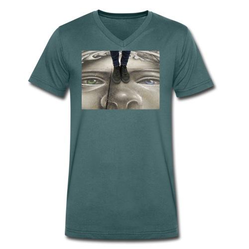 Streetart & Sneaker - Männer Bio-T-Shirt mit V-Ausschnitt von Stanley & Stella