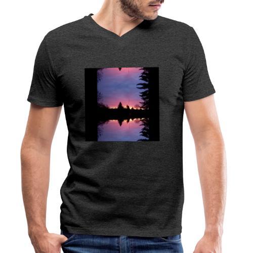 Gott ist Gut - Morgenrot - Männer Bio-T-Shirt mit V-Ausschnitt von Stanley & Stella