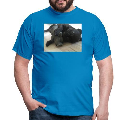 kuschelnder Hund - Männer T-Shirt