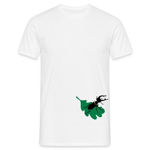 Stag beetle on leaf - Men's T-Shirt