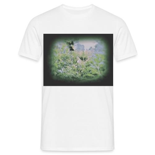 Girl in Jungle - Men's T-Shirt