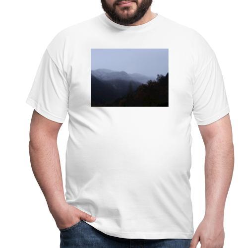 Collina con neve - Maglietta da uomo