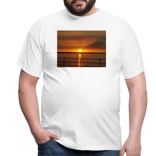 21199350 114059705944537 3458692839034841074 o - Herre-T-shirt