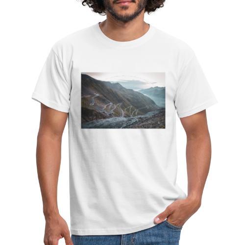 Stelvio 2757m - Männer T-Shirt