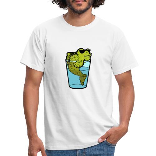 Fisch im Glas - Männer T-Shirt