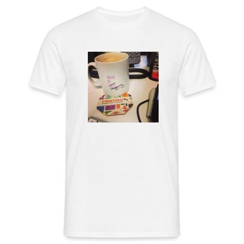 Queen of Shopping Muggins - Men's T-Shirt