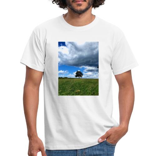 Der einsame Baum - Männer T-Shirt