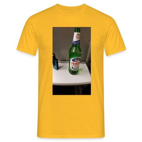 F2443890 B7B5 4B46 99A9 EE7BA0CA999A - Men's T-Shirt