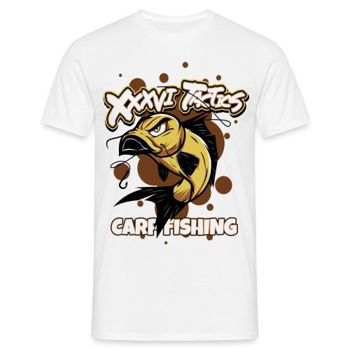 Carp fisching - karpfenangeln - by XXXVI TACTICS - Männer T-Shirt