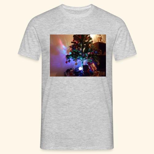 Weihnachten ist schön mit dem Party-Weihnachtsbaum - Männer T-Shirt