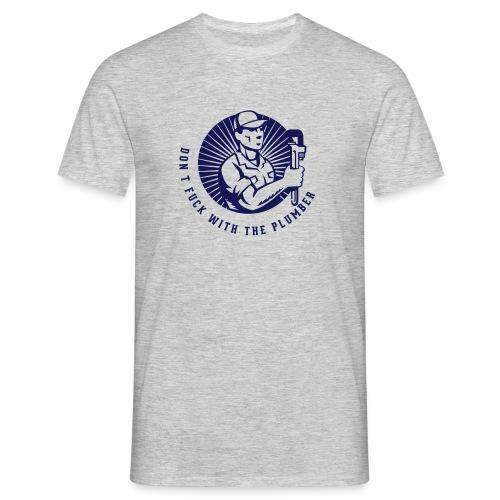 plumber design1 - Mannen T-shirt