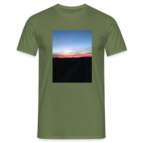 late night cycle - Men's T-Shirt