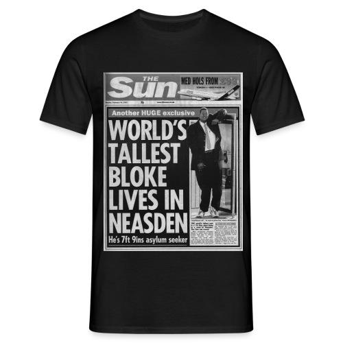 World s Tallest Bloke FP BW - Men's T-Shirt