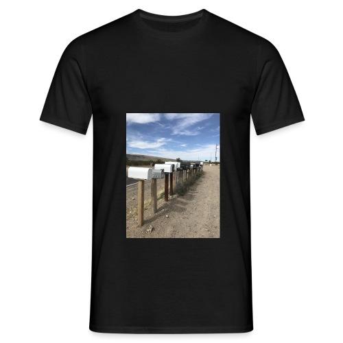 post box - Men's T-Shirt