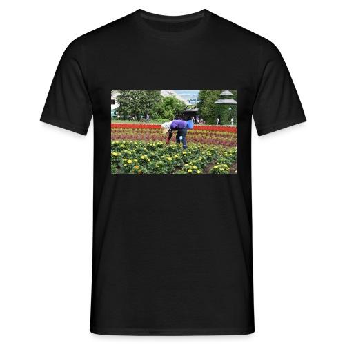 donna che coltiva - Maglietta da uomo
