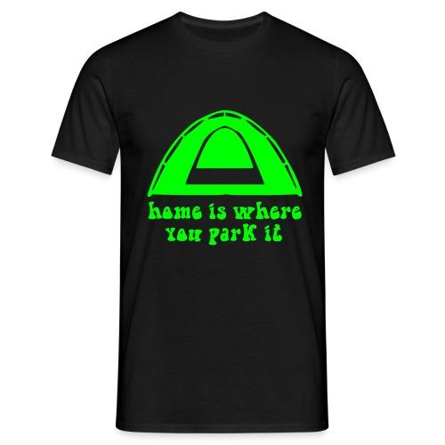 casa è dove campeggio verde hippie amore pace arte - Maglietta da uomo