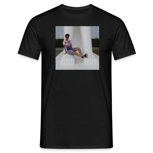 12049283 10206640709869223 2934414594838933878 n - Herre-T-shirt