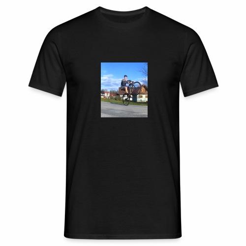 Manuel Wheelie - Männer T-Shirt