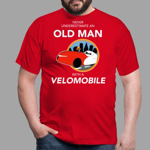 Never underestimate an old man with a velomobile - Miesten t-paita