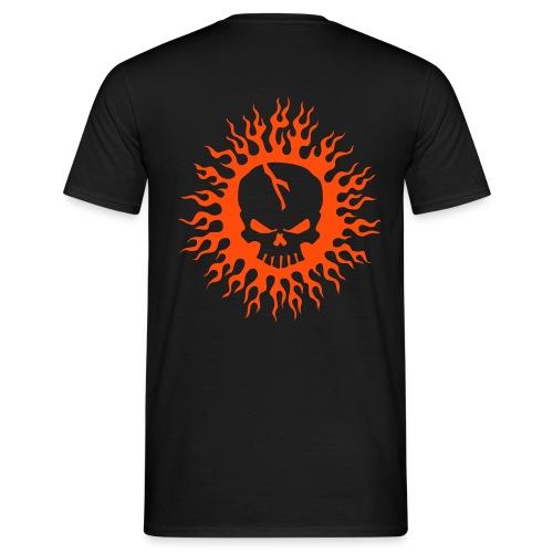 Skull on Fire - Männer T-Shirt