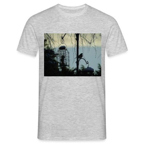 A winter bird - Men's T-Shirt