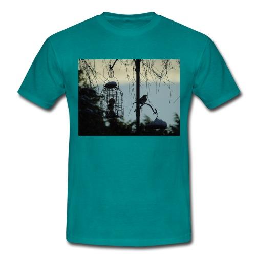 A winter bird - Men's T-Shirt