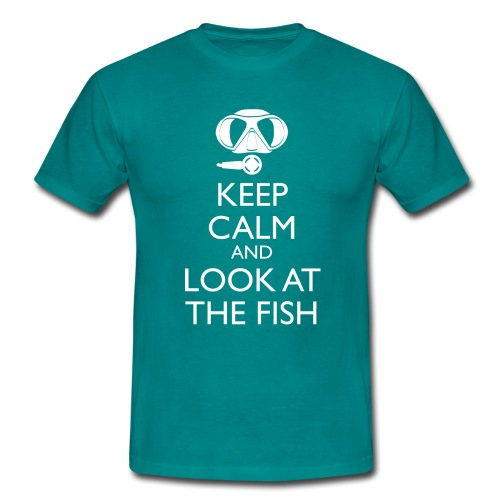 Keep calm and look at the fish - Männer T-Shirt