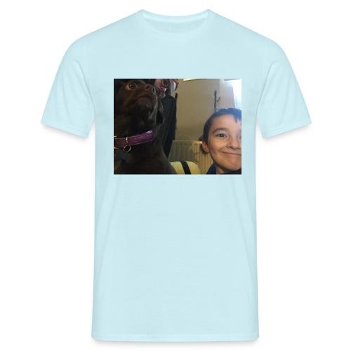 1858BD5C 883A 4987 81C6 9959F4FE9B0E - Men's T-Shirt