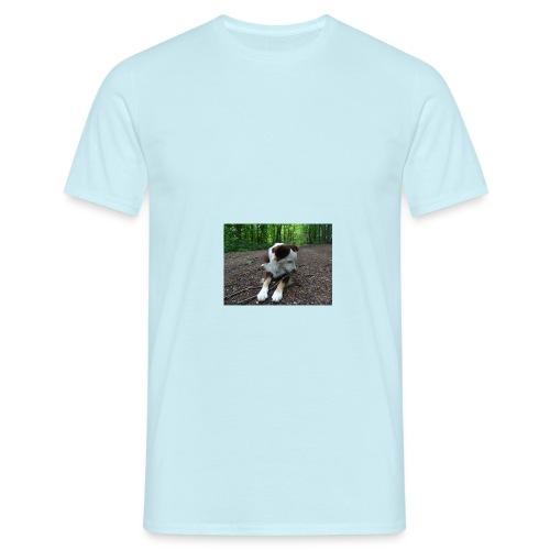 Der Hundi chillt... - Männer T-Shirt