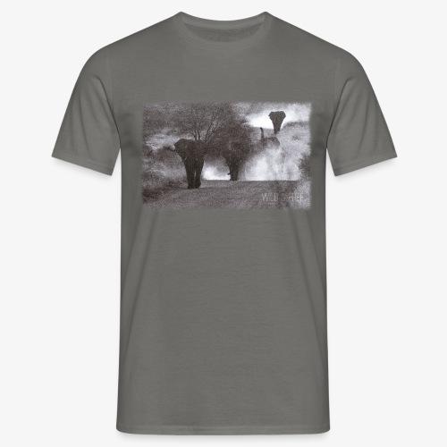 Elephants - Wild & Free - Männer T-Shirt