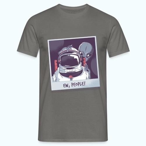 Aliens and astronaut - Men's T-Shirt