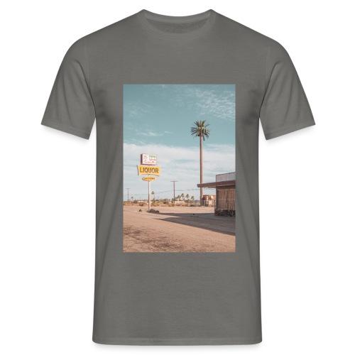 Liquor Store - Männer T-Shirt