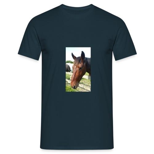 10257400 1015288293582555 - Men's T-Shirt