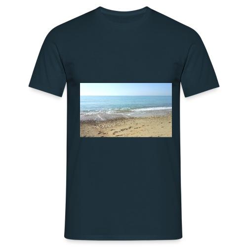 477360_10150911942235550_ - Men's T-Shirt