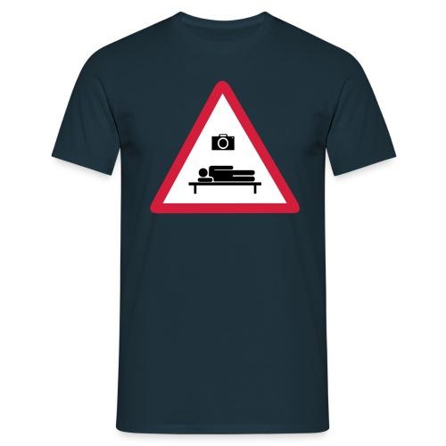 Heilbronn schläft Logo - Männer T-Shirt